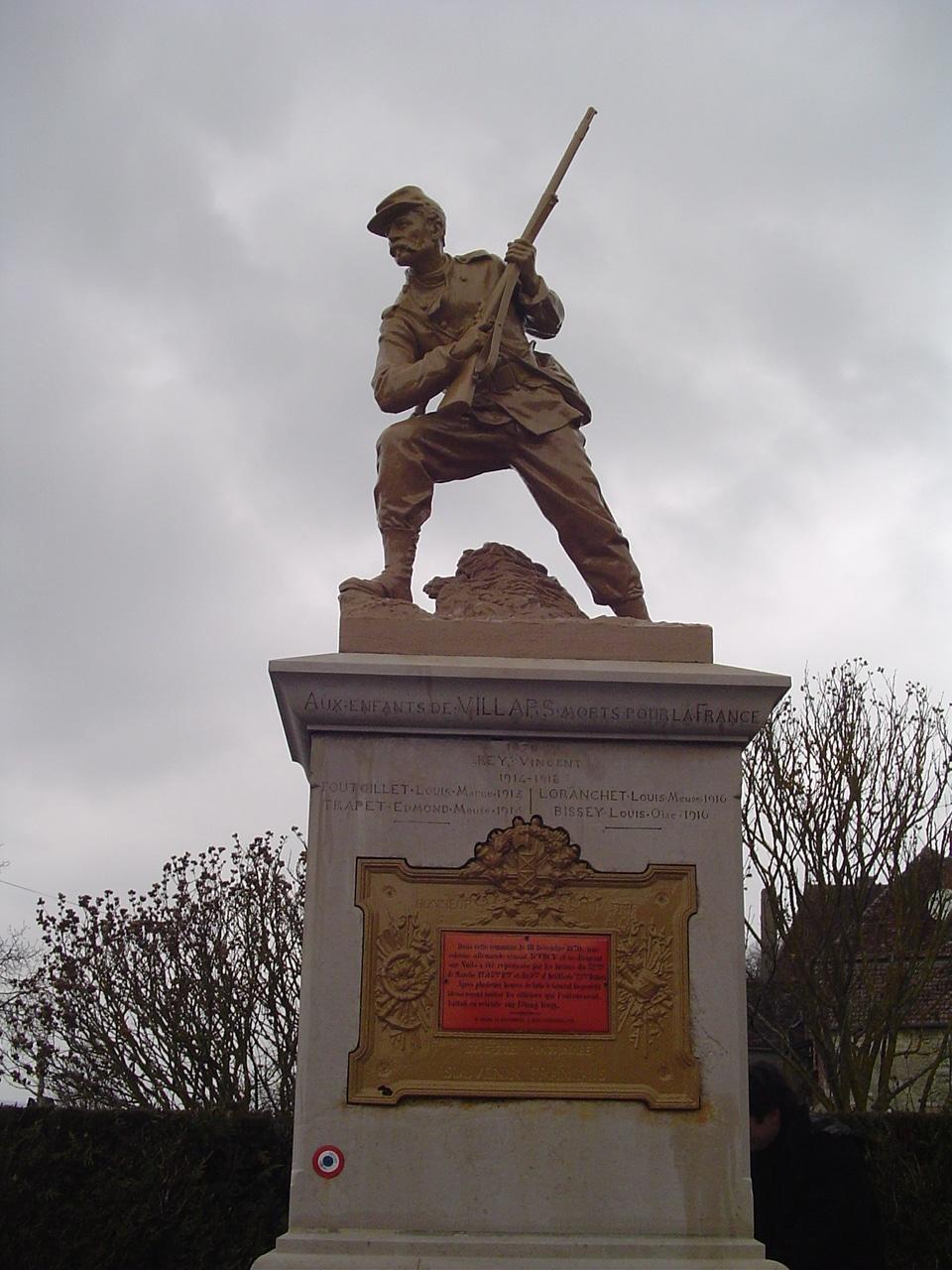 monument_a_villard_fontaine