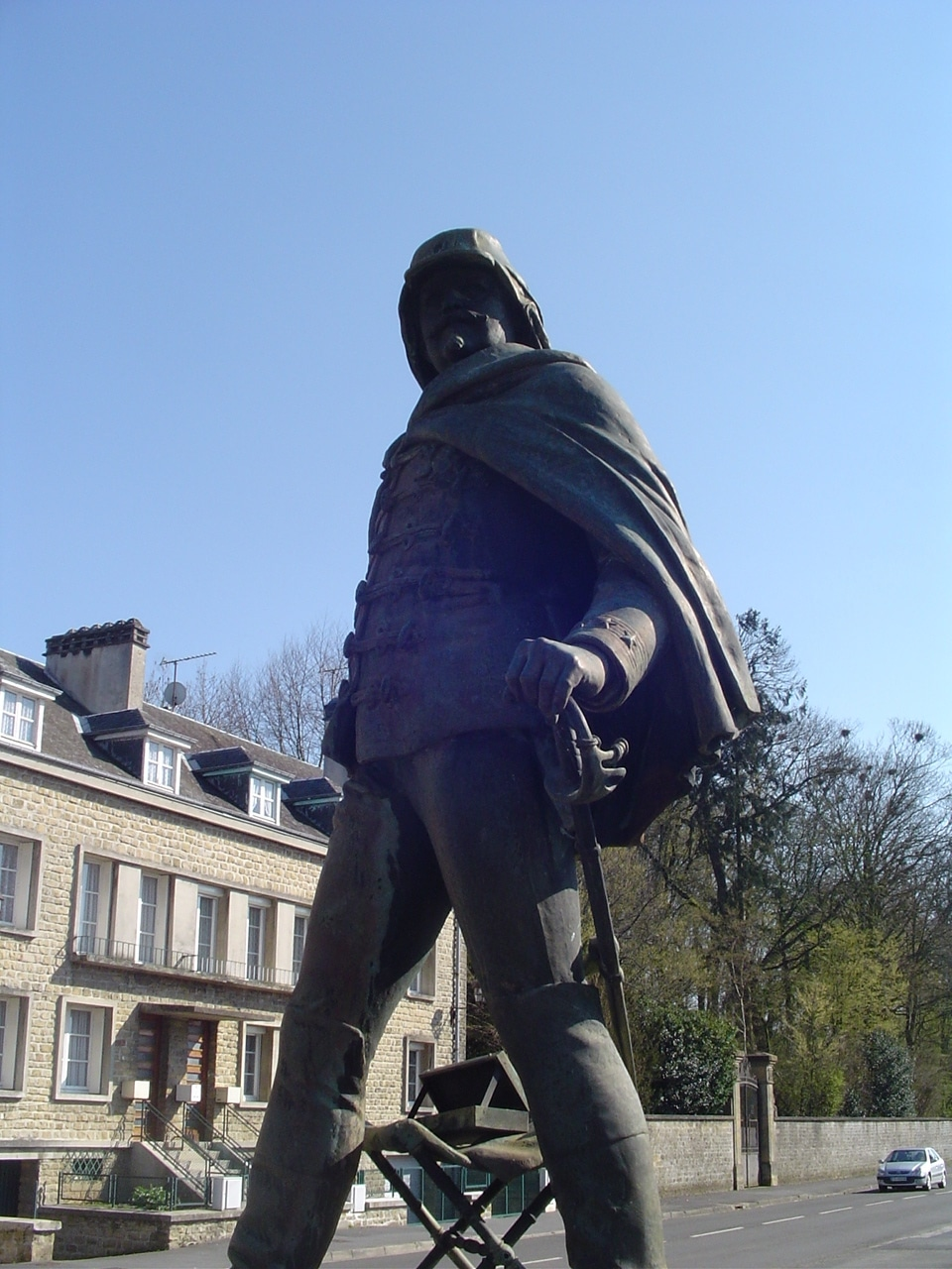 4_statue_du_general_marguerite