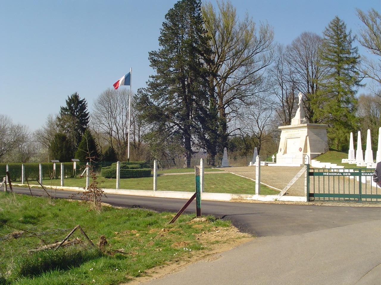 6_monument_a_la_cavlerie_a_floing